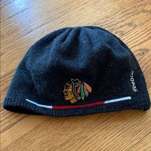 Blackhawks reversible winter hat kids. Blk & grey